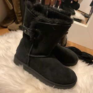 Ugg boots size 7 black